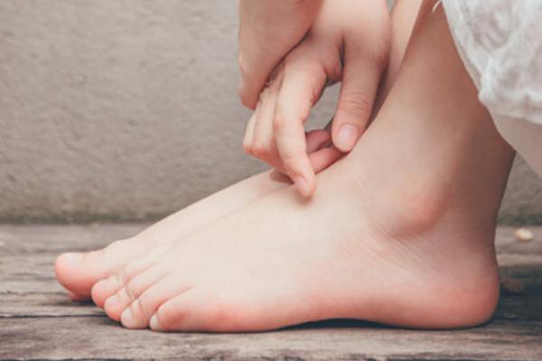 Die Hand-Fuß-Mund-Krankheit